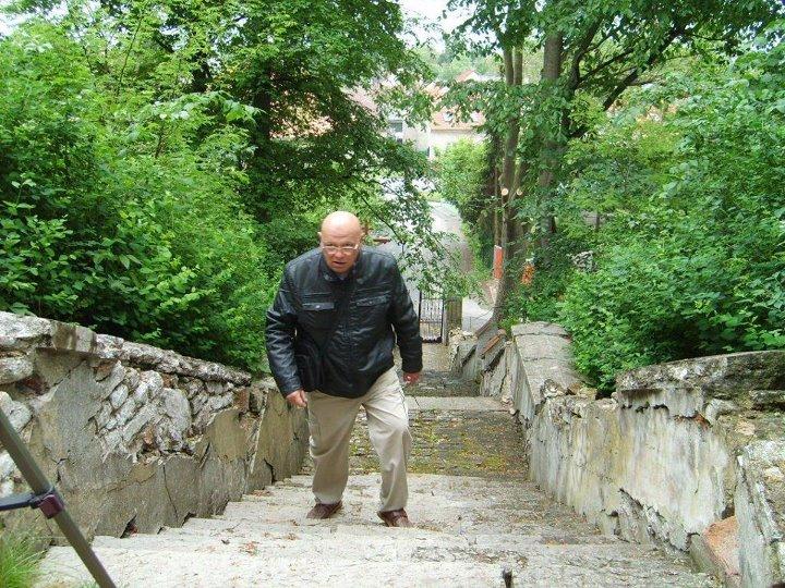 52 barokních schodů, poutní cesta na vrchol Homole