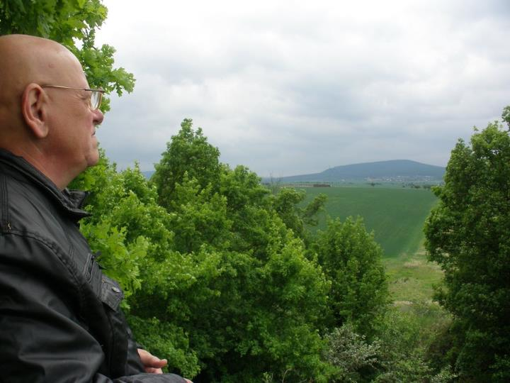 Výhled z Hrádku na Plešivec