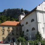 Kostel Narození sv. Jana Křtitele s klášterem