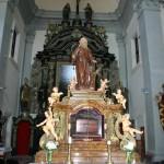 Náhrobek sv. Ivana, se schránkou se světcovými ostatky