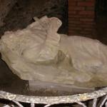 Hrob sv. Ivana v jeskyni